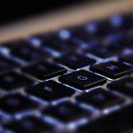 https://pixabay.com/photos/laptop-desk-workspace-workplace-336373/