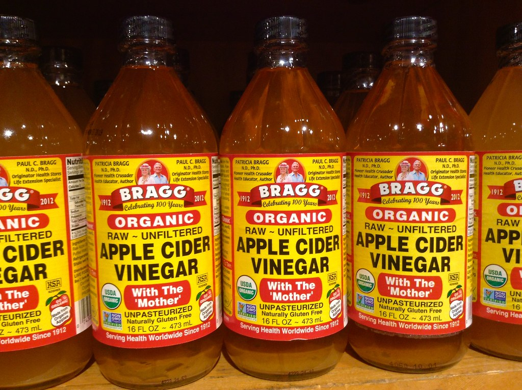 Apple cider vinegar is a natural remedy and health supplement that aids in reducing the symptoms of a number of ailments.