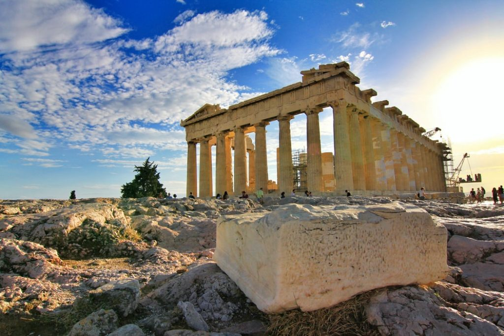 A solo trip to Greece is one for the books- with nothing holding you back, the country is yours to travel!