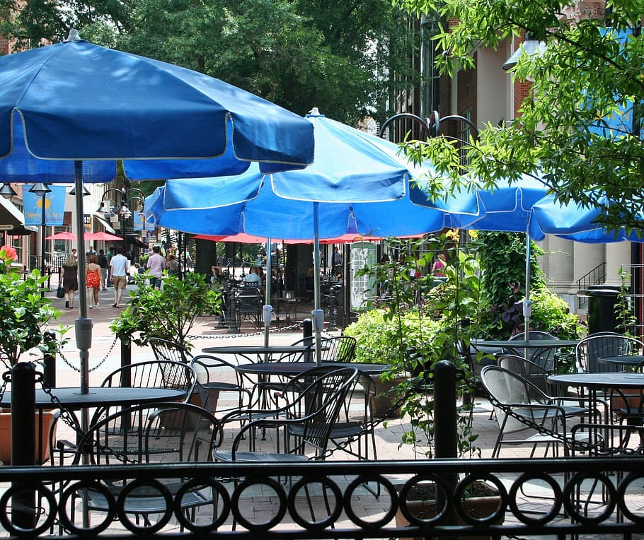 Outdoor dining is on the upswing, especially for seniors looking to enjoy a meal out of the house.