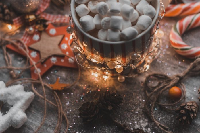 2 Easy Holiday Cocktails to Sip On