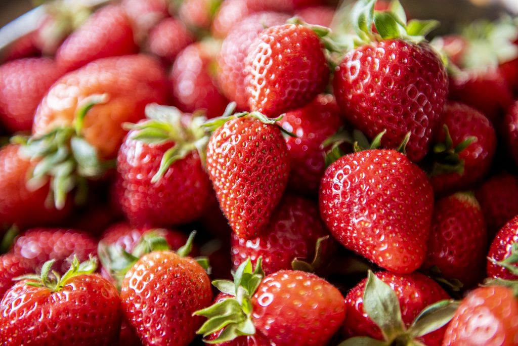 Strawberries and heart health go hand-in-hand! Image from Pixabay
