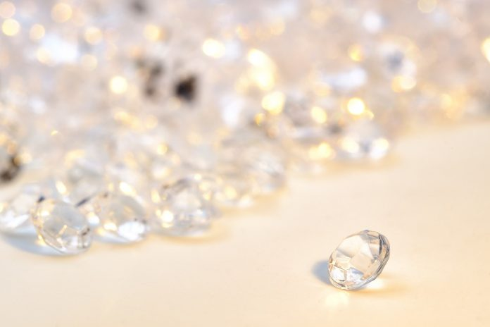 Book Review: Jewels That Made History